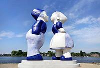 Nederland - Amsterdam - mei 2018. Westelijk Havengebied.  Kissing Couple XXXL van de kunstenaar Saske van Eerden.   Foto: Berlinda van Dam / Hollandse Hoogte