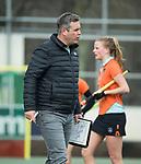 Den Haag - Hoofdklasse hockey dames, HDM-GRONINGEN  (6-2).coach Marc Materek (Gron.)   COPYRIGHT KOEN SUYK