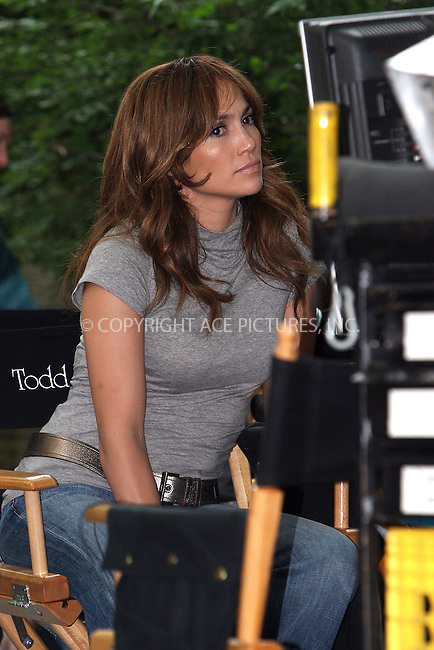 WWW.ACEPIXS.COM . . . . .  ....July 22 2009, New York City....Actress Jennifer Lopez was on the Central Park set of the new movie 'The Back-up Plan' on July 22 2009 in New York City....Please byline: NANCY RIVERA- ACE PICTURES.... *** ***..Ace Pictures, Inc:  ..tel: (212) 243 8787 or (646) 769 0430..e-mail: info@acepixs.com..web: http://www.acepixs.com