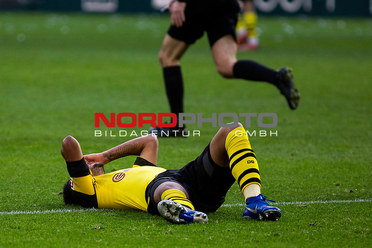 09.02.2019, Signal Iduna Park, Dortmund, GER, 1.FBL, Borussia Dortmund vs TSG 1899 Hoffenheim, DFL REGULATIONS PROHIBIT ANY USE OF PHOTOGRAPHS AS IMAGE SEQUENCES AND/OR QUASI-VIDEO<br /> <br /> im Bild | picture shows:<br /> Jadon Sancho (Borussia Dortmund #7) entt&auml;uscht,  <br /> <br /> Foto &copy; nordphoto / Rauch