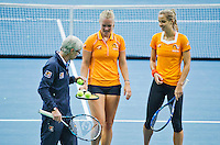 Moskou, Russia, Februari 4, 2016,  Fed Cup Russia-Netherlands,  Dutch team practise doubles  coach Martin Bohm with Kiki Bertens and Arantxa Rus (R)<br /> Photo: Tennisimages/Henk Koster