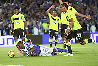 BOGOTA -COLOMBIA- 13 -11--2013. Wason Renteria  (Izq)  de Millonarios  disputa el balon contra Diego Peralta (Der) del Atletico Nacional , encuentro de ida por la final de la Copa Postobon jugado en el estadio Nemesio Camacho El Campin   / Wason Renteria  (L) of Millonarios dispute the ball against Diego Peralta (R) of Atletico Nacional, first leg by Postobón Cup final played at the Estadio Nemesio Camacho El Campin .Photo: VizzorImage / Felipe Caicedol / Staff