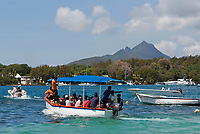 MUS, Mauritius, Flacq, Trou d'Eau Douce: Bootsfahrt zur Ile aux Cerfs | MUS, Mauritius, Flacq, Trou d'Eau Douce: boat trip to island Ile aux Cerfs
