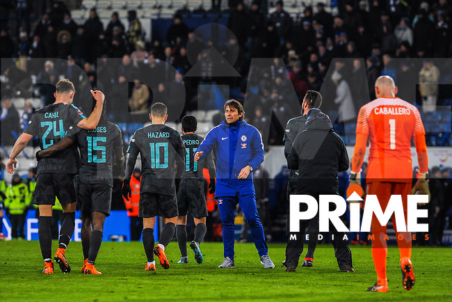 Chelsea manager Antonio Conte and his players during the FA Cup QF match between Leicester City and Chelsea at the King Power Stadium, Leicester, England on 18 March 2018. Photo by Stephen Buckley / PRiME Media Images.