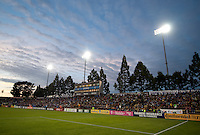 Santa Clara, Ca - Wednesday, May 2, 2012: The San Jose Earthquakes defeated D.C. United 5-3 at Buck Shaw Stadium. Photo by John Todd/San Jose Earthquakes