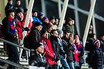 Uppsala 2013-11-20 Bandy Elitserien IK Sirius - Edsbyns IF :  <br /> Edsbyn supportrar p&aring; l&auml;ktaren p&aring; Studenternas<br /> (Foto: Kenta J&ouml;nsson) Nyckelord:  supporter fans publik supporters