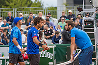 Paris, France, 3 June, 2017, Tennis, French Open, Roland Garros, Men's doubles Rojer/Tecau vs Dodig/Granollers, in a very heavy discussion<br /> Photo: Henk Koster/tennisimages.com