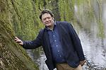 Foto: VidiPhoto<br /> <br /> ARNHEM &ndash; Johan Cronau, co&ouml;rdinator natuur- en faunabeheer bij de provincie Gelderland, in het stadspark achter het Musus Sacrum in Arnhem.