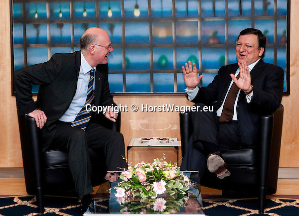 Brussels-Belgium - February 01, 2012 -- Visit to Brussels by Prof. Dr. Norbert LAMMERT (le), President / Speaker of the German Parliament (Deutscher Bundestag); here, meeting with José (Jose) Manuel BARROSO (ri), President of the European Commission -- Photo: © HorstWagner.eu