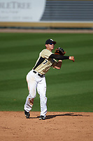 UCF Knights shortstop Ryan Crile (7) during a game against the Siena Saints on February 21, 2016 at Jay Bergman Field in Orlando, Florida.  UCF defeated Siena 11-2.  (Mike Janes/Four Seam Images)