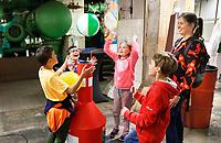 Nederland - Rotterdam - mei 2019. Expeditie NEXT is hét Nationale Wetenschapsfestival waar jong en oud antwoord kunnen vinden op al hun vragen. Tijdens Expeditie NEXT kan iedereen 12 uur lang wetenschap beleven in en rondom de Maassilo in Rotterdam.    Foto mag net in negatieve / schadelijke context gepubliceerd worden.    Foto Berlinda van Dam / Hollandse Hoogte