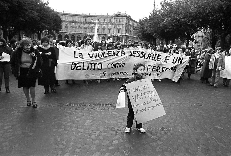 Roma:  manifestazione femminista contro l'emendamento di Carlo Casini (deputato DC), alla legge sulla violenza sessuale, perch&eacute; sia mantenuto &ldquo;delitto contro la persona non contro la morale&rdquo;, 5 Feb 1983.<br /> Rome: feminist demonstration  against the amendment by Carlo Casini (deputy DC) concerning the law on sexual violence that should be a &ldquo;crime against the person not against morality&quot;, Feb 5, 1983