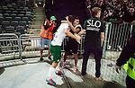 Stockholm 2015-08-24 Fotboll Allsvenskan Djurg&aring;rdens IF - Hammarby IF :  <br /> Hammarbys Erik Israelsson firar sitt 1-2 m&aring;l med Hammarbys supportrar vid sidan av planen under matchen mellan Djurg&aring;rdens IF och Hammarby IF <br /> (Foto: Kenta J&ouml;nsson) Nyckelord:  Fotboll Allsvenskan Djurg&aring;rden DIF Tele2 Arena Hammarby HIF Bajen