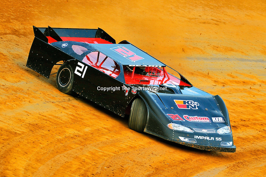 Jun 27, 2009; 8:13:13 PM; Rural Retreat, VA., USA; The eighth stop of the Carolina Clash Super Late Model tour running at Wythe Raceway for a $4,000 to win, 40 lap showdown.  Mandatory Credit: (thesportswire.net)