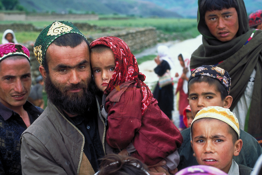 Portrait of afghan father with his daugther