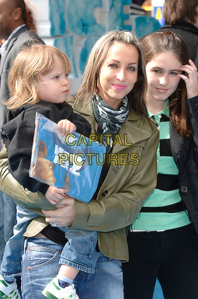 "NATALIE APPLETON & SON ACE.At the UK Film Premiere of ""Ice Age 2: The Meltdown"", Empire Cinema, Leicester Square, London, .England, April 2nd 2006..half length mother kid child.Ref: PL.www.capitalpictures.com.sales@capitalpictures.com.©Capital Pictures"