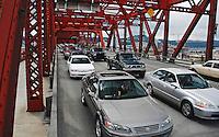 USA, Oregon, Rush hour traffic on the Broadway Bridge in Portland