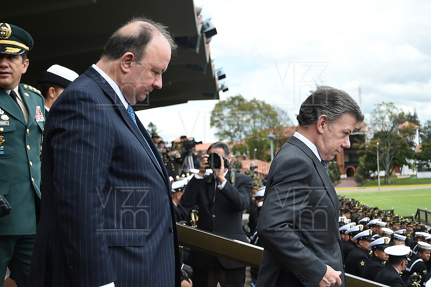 BOGOTÁ - COLOMBIA, 24-06-2015 Luis Carlos Villegas, nuevo ministro de defensa de Colombia hace su primer reconoicimiento de tropas junto con Juan Manuel Santos, Presidente de Colombia, hoy 24 de junio de 2015 en la Escuela Militar José María Córdoba de la ciudad de Bogotá../ Luis Carlos Villegas new Defense minister makes his first acknowledgment of troops with Juan Manuel Santos, President of Colombia, today june 24 2015 at Jose Maria Cordoba military academy in Bogota city.. Photo: VizzorImage /  Mauricio Orjuela / Mindefensa / HANDOUT PICTURE; MANDATORY EDITORIAL USE ONLY/ NO MARKETING, NO SALES