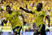 BARRANQUILLA - COLOMBIA -22-03-2013: Pablo Armero (Der.) y Fredy Guarín (Izq.)  jugadores de la Selección Colombia celebran el gol anotado a Bolivia, durante  partido Colombia - Bolivia en el Estadio Metropolitano Roberto Meléndez en la ciudad de Barranquilla, marzo 22 de 2013. Partido de la 11 ª fecha de las Clasificatorias Sudamericanas para la Copa Mundial de la FIFA Brasil 2014. (Foto: VizzorImage / Luis Ramírez / Staff). Pablo Armero (R) and Fredy Guarín (L) players of Colombia celebrate a goal scored against Bolivia, during a match Colombia - Bolivia at the Metropolitan Stadium Roberto Melendez in Barranquilla city, on March 16, 2013. Game of the 11th round of the South American Qualifiers for the FIFA World Cup Brazil 2014. (Photo: VizzorImage / Luis Ramirez / Staff.)