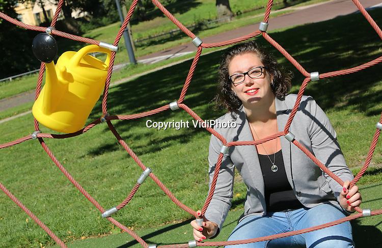 Foto: VidiPhoto<br /> <br /> HAARLEM - Portret van werkvoorbereider Jenneke van der Zon van de gemeente Spaarnelanden.