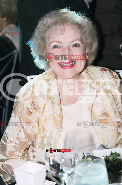 Betty White at the Grand Re-opening of the Museum of Broadcast Communications (MBC) in Chicago. June 12, 2012. ©mpi30/MediaPunch Inc. NORTEPHOTO.COM<br /> NORTEPHOTO.COM