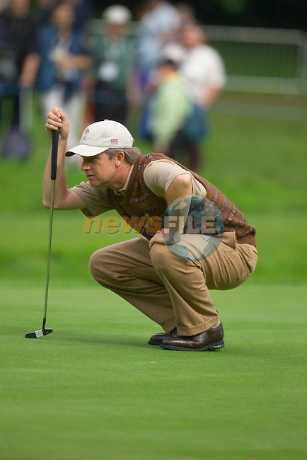 Straffin Co Kildare Ireland. K Club Ruder Cup...David Toms lineing up his putt on  the 16th green at the K Club in Straffan, Co Kildare, Ireland, 21 September 2006. The Ryder Cup competition between the American and European teams starts 22 September...Photo: Eoin Clarke/ Newsfile.<br />