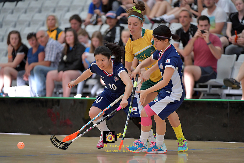 Australia's Kiahni Abell and Japan's Hitomi Sugaya in action during the World Floorball Championships 2017 Qualification for Asia Oceania Region Final - Australia v Japan at ASB Sports Centre , Wellington, New Zealand on Sunday 5 February 2017.<br /> Photo by Masanori Udagawa<br /> www.photowellington.photoshelter.com.