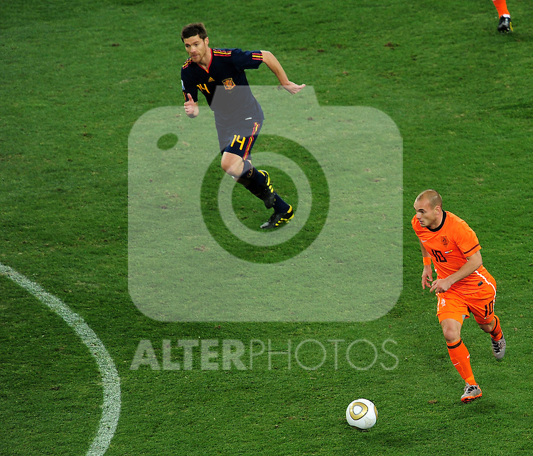Wesley Sneijder attacks during the 2010 FIFA World Cup South Africa  Final match between Holland and Spain at Soccer City  on 11 July, 2010 in Johannesburg, South Africa.