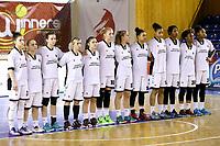 echipa Universitatea Cluj asculta intonarea imnului national inainte de meci