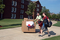 MVNU2MSU 2016. Move in action at Griffis Hall.<br /> (photo by Beth Wynn / &copy; Mississippi State University)