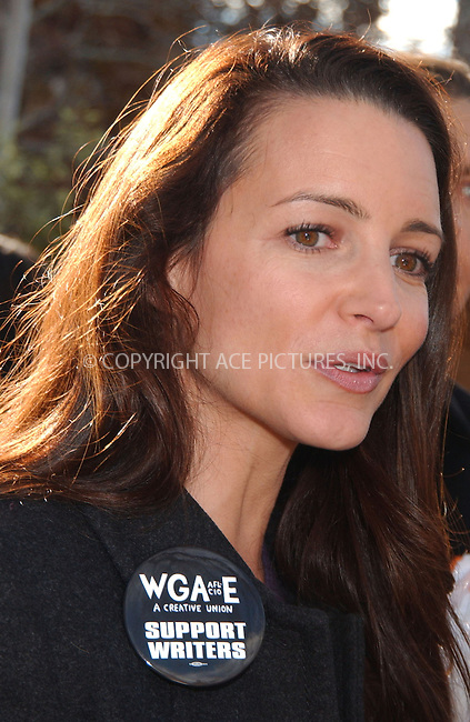 WWW.ACEPIXS.COM . . . . . ....November 27 2007, New York City....Actor Kristin Davis at a labor rally in New York to support striking writers. ....Please byline: KRISTIN CALLAHAN - ACEPIXS.COM.. . . . . . ..Ace Pictures, Inc:  ..(646) 769 0430..e-mail: info@acepixs.com..web: http://www.acepixs.com