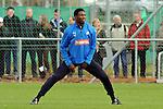 Hoffenheim 12.11.2008, Training bei TSG 1899 Hoffenheim, Hoffenheims Isaac Vorsah<br /> <br /> Foto © Rhein-Neckar-Picture *** Foto ist honorarpflichtig! *** Auf Anfrage in höherer Qualität/Auflösung. Belegexemplar erbeten.