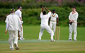 East of Scotland Cricket League, Div 3 - Clackmannan County CC v Livingston CC - Livingston Captain Naved Asghar makes a strong appeal to home umpire Alan Oliver, who remianed unmoved - Picture by Donald MacLeod 17.07.10 - mobile 07702 319 738 - clanmacleod@btinternet.com