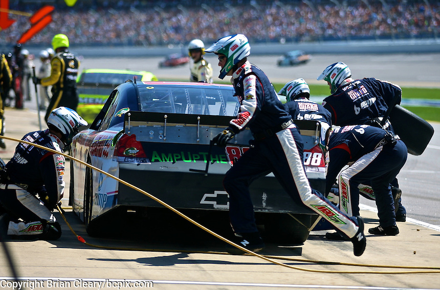 Dale Earnhardt Jr.  makes a pit stop during the Aaron's 499 at Talladega Superspeedway, Talladega, AL, April 17, 2011.  (Photo by Brian Cleary/www.bcpix.com)