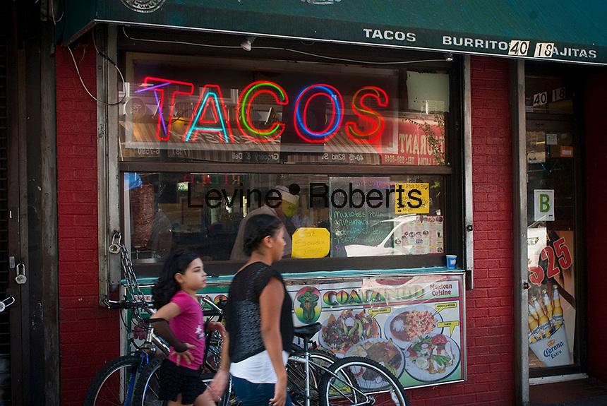 Tacos Coatzingo on Roosevelt Avenue in the jackson Heights neighborhood of Queens in New York on Sunday, October 14, 2012. (© Richard B. Levine)