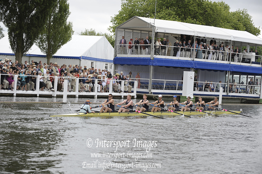 Henley, Great Britain.   Four Score and Four RC USA, during the closing stages of the heat in the  Thames  Challenge Cup  2009 Henley Royal Regatta Friday 03/07/2009 at  [Mandatory Credit. Peter Spurrier/Intersport Images] . HRR.