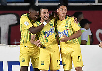 CALI - COLOMBIA, 21-09-2019: John Fredy Perez (#10) de Bucaramanga celebra después de anotar el primer gol de su equipo durante partido por la fecha 12 de la Liga Águila II 2019 entre América de Cali y Atlético Bucaramanga jugado en el estadio Pascual Guerrero de la ciudad de Cali. / John Fredy Perez (#10) of Bucaramanga celebrates after scoring the first goal of his team during match for the date 12 as part of Aguila League II 2019 between America de Cali and Atletico Bucaramanga played at Pascual Guerrero stadium in Cali. Photo: VizzorImage / Gabriel Aponte / Staff