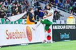 Stockholm 2014-05-04 Fotboll Superettan Hammarby IF - IFK V&auml;rnamo :  <br /> Hammarbys Stefan Batan &auml;r arg efter en m&aring;lchans fri med V&auml;rnamos Bj&ouml;rn &Aring;kesson och sparkar i reklamskyltarna<br /> (Foto: Kenta J&ouml;nsson) Nyckelord:  Superettan Tele2 Arena Hammarby HIF Bajen V&auml;rnamo arg f&ouml;rbannad ilsk ilsken sur tjurig angry