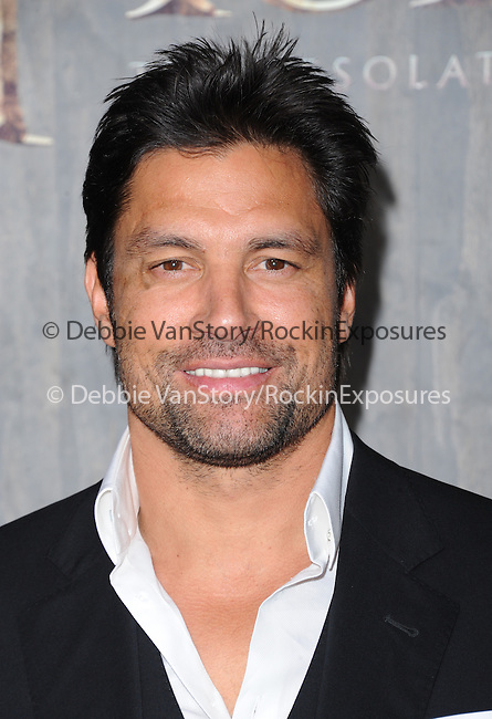 LOS ANGELES, CA - December 02: Manu Bennett arrives at The Warner Bros' Pictures L.A. Premiere of THE HOBBIT: THE DESOLATION OF SMAUG held at The Dolby Theater in Hollywood, California on December 02,2013                                                                               © 2013 Hollywood Press Agency