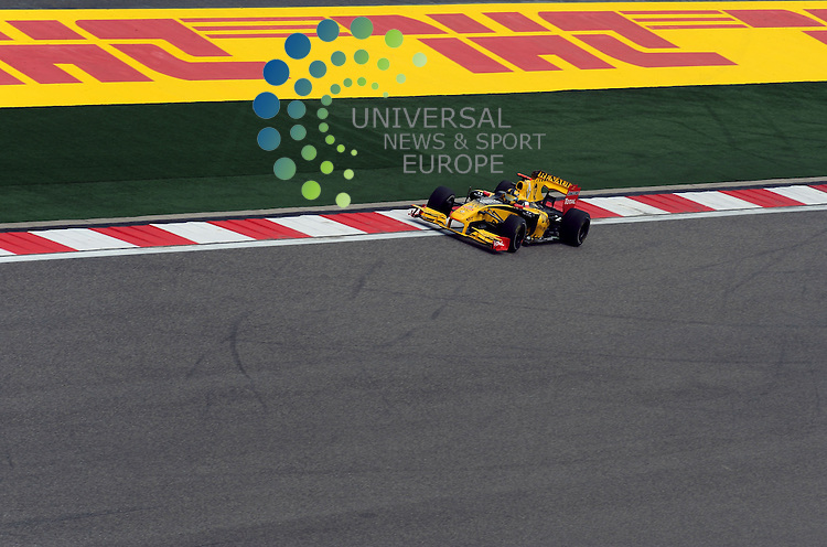 F1 GP of China, Shanghai 16.- 18. April 2010.Robert Kubica (POL), Renault F1 Team ..Picture:Hasan Bratic/Universal News And Sport (Europe) 16 April 2010.