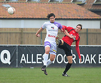 Sint Eloois Winkel Sport - Racing Club Harelbeke :<br /> Mathias Velghe (R) in strijd met Dylan Descheemaecker (L)<br /> <br /> Foto VDB / Bart Vandenbroucke