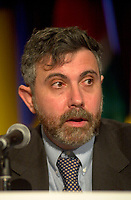 April 18,  2001, Montreal, Quebec, Canada<br /> <br /> Paul Krugman, Ph.D., MIT, Princeton Economist and author giving a keynote speak during a plenary session intitled ``  Free trade in the Americas: is it realistic ? Under what conditions ``,<br />  at the 7th International Forum on the New Economy (aka The Conference of Montreal).<br /> <br /> Mandatory Credit: Photo by Pierre Roussel- Images Distribution. (©) Copyright 2001 by Pierre Roussel <br /> ON SPEC<br /> NOTE l Nikon D-1 jpeg opened with Qimage icc profile, saved in Adobe 1998 RGB.