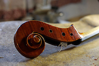 "Consorzio Liutai ""Antonio Stradivari"". The Consortium of Violinmakers...."