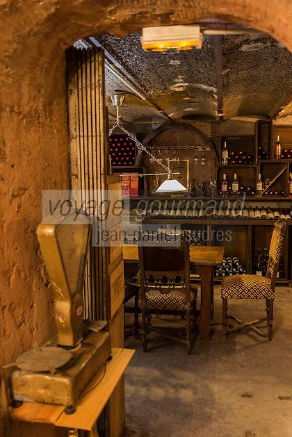 Europe/France/Provence-Alpes-Côte d'Azur/Alpes-Maritimes/Nice: La Cave Bianchi _ 7 rue Raoul Bosio // Europe, France, Provence-Alpes-Côte d'Azur, Alpes-Maritimes, Nice: Cave Bianchi , Wine retailer