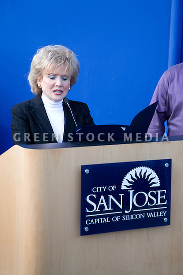 Barbara Kaufman, Director of the San Francisco Office for Governor Arnold Schwarzenegger, reads a letter of commendation she is presenting to IDeAs on the Governor's behalf. Contact Green Stock Media to view additional images from this photo shoot. Image size: 4368 x 2912 pixels, very high resolution, 12.8 megapixels