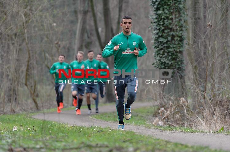07.04.2015, B&uuml;rgerpark, Bremen, GER, 1.FBL, Training Werder Bremen, im Bild Franco Di Santo (Bremen #9)<br /> <br /> Foto &copy; nordphoto / Frisch