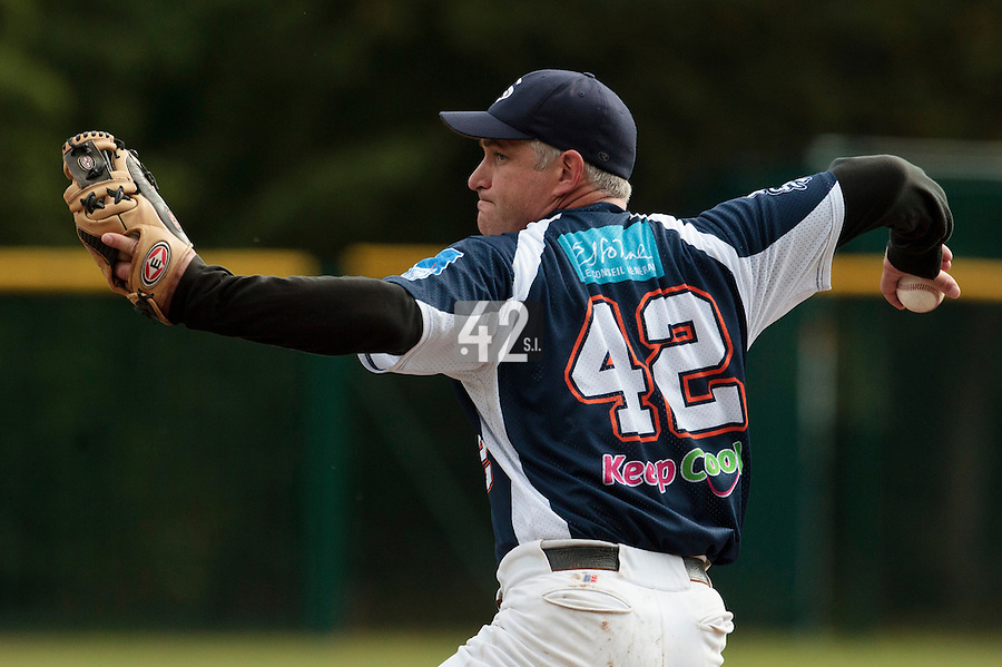 24 October 2010: Guillaume Coste of Savigny pitches against Rouen during Rouen 5-1 win over Savigny, during game 4 of the French championship finals, in Rouen, France.