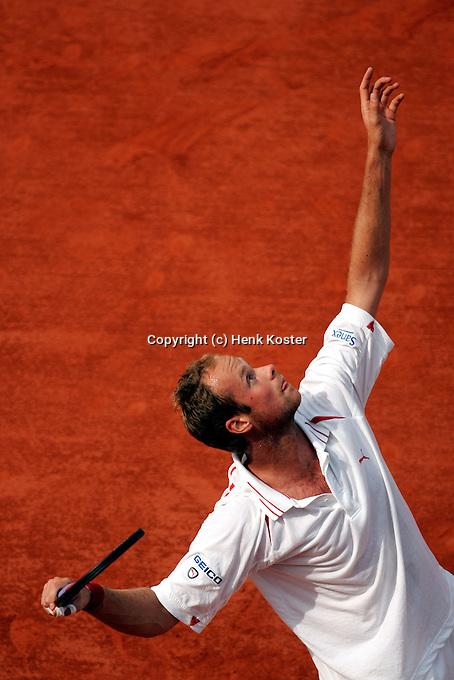 29-05-2004, Paris, tennis, Roland Garros, Martin Verkerk in zijn partij tegen Hewitt