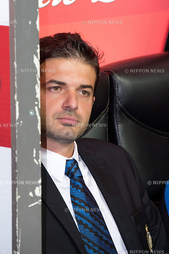"Andrea Stramaccioni (Inter), SEPTEMBER 30, 2012 - Football / Soccer : Italian ""Serie A"" match between Inter Milan 2-1 Fiorentina at Stadio Giuseppe Meazza in Milan, Italy. (Photo by Enrico Calderoni/AFLO SPORT) [0391]"