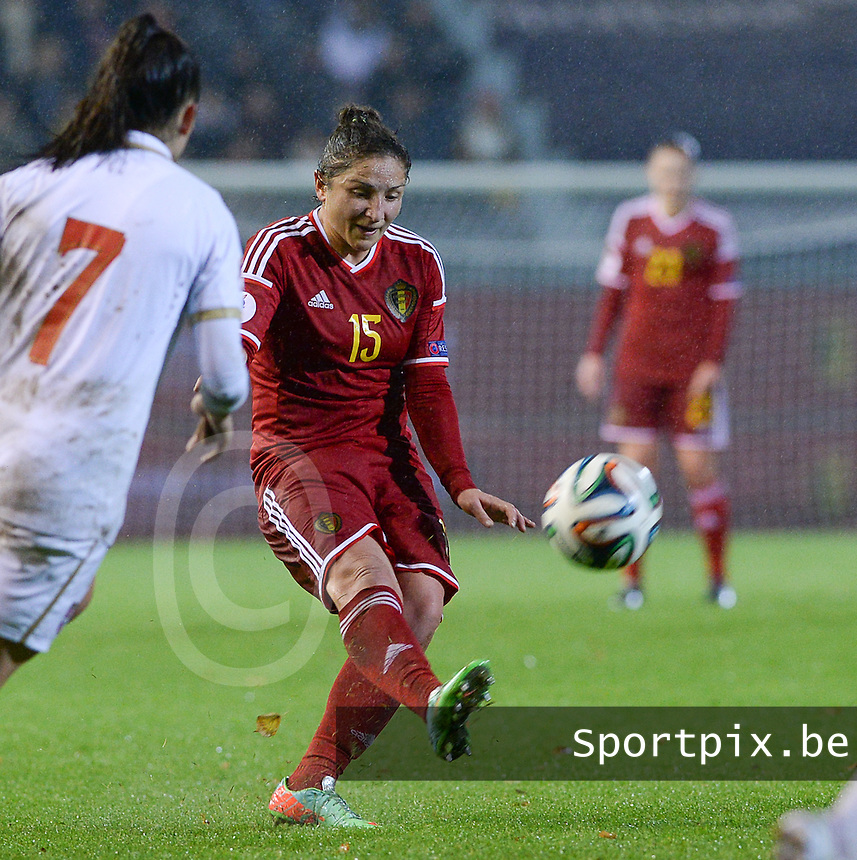 20151130 - LEUVEN ,  BELGIUM : Belgian Sara Yuceil pictured during the female soccer game between the Belgian Red Flames and Serbia , the third game in the qualification for the European Championship in The Netherlands 2017  , Monday 30 November 2015 at Stadion Den Dreef  in Leuven , Belgium. PHOTO DAVID CATRY
